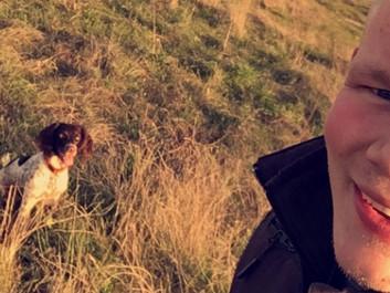 """Mathias og hans hund vil hjælpe landmænd: """"Ingen dyreunger er tjent med at dø på den måde"""""""