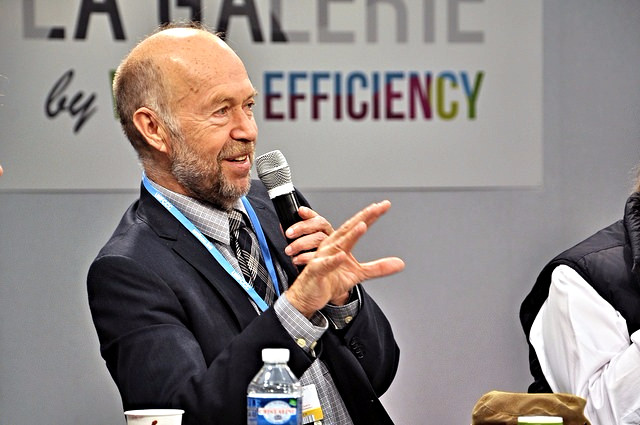 Klimaforskeren James Hansen, der her taler under klimatopmødet i Paris, er stærkt kritisk over for hele forløbet under COP21. Foto: Chris Bentley/flickr