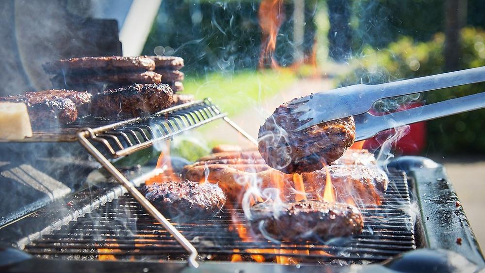 Vi skal reducere vores kødindtag kraftigt, hvis fremtidens befolkning også skal brødfødes. Foto: Pixabay