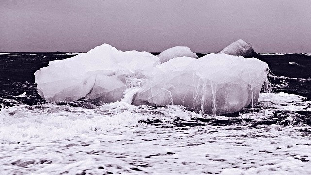 Der er varmere end normalt på Nordpolen og mindre is end normalt. Foto: Pixabay