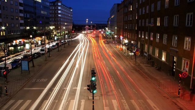 Trafikken flyder bedre med intelligente trafiklys, der registrerer trafikken. Foto: Henrik Ismarker/flickr