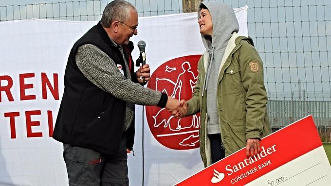 Aqua-Lene har doneret 50.000 kr. til Dyrenes Beskyttelses internat i Roskilde. Foto: Dyrenes Beskyttelse