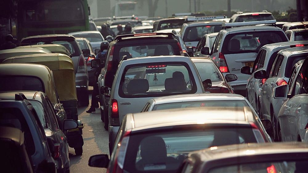 Fremtidens trafik i Paris skal være drevet af vedvarende energi ifølge bystyret.