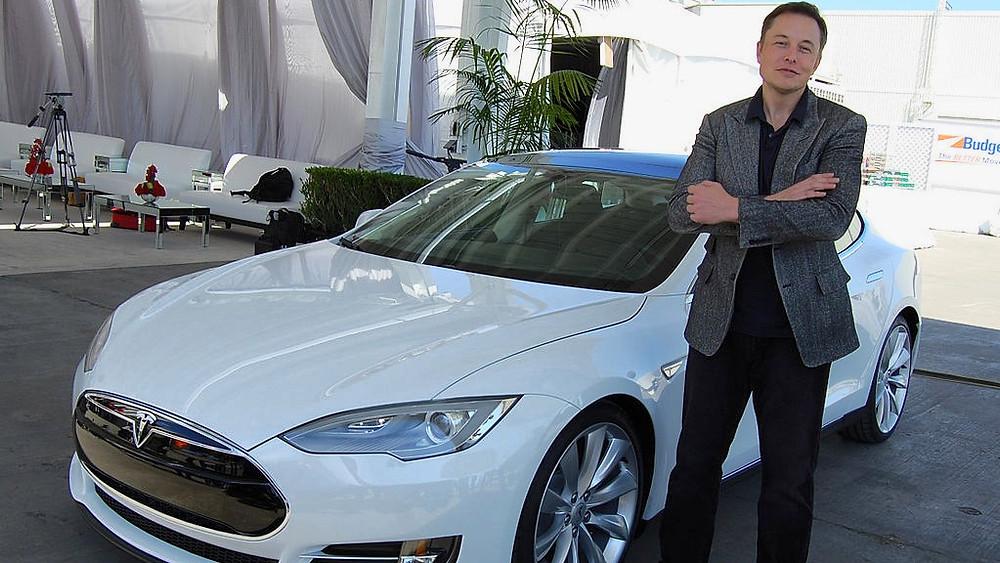 Elon Musk, CEO for Tesla Motors, er engageret i vedvarende energi og har netop præsenteret en ny batteriteknologi. Arkivfoto: Maurizio Pesce/Wikimedia Commons