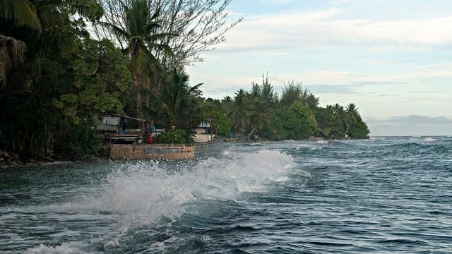 Havets stigning har store konsekvenser for indbyggerne på de lavtliggende Marshalløer. Foto: Elizabeth Kate Switaj/flickr