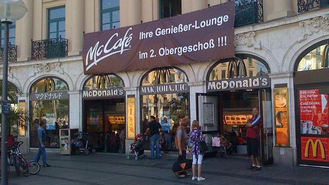 Som et forsøg vil Mcdonald's i Tyskland frem til midten af november sælge en burger med øko-kød. Foto: Achim Hepp/flickr