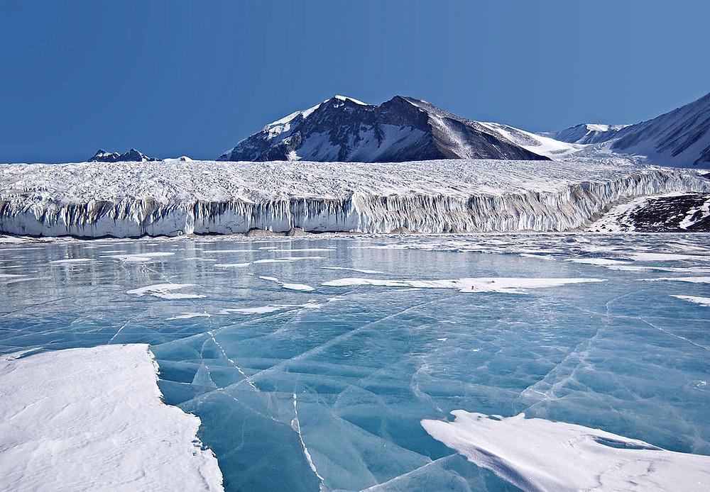 Et nyt studie viser, at Canadas gletsjere forsvinder hurtigere end hidtil antaget.