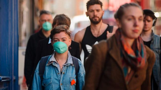 Demonstranter fra Friends of the Eart Scotland ses her med masker i forbindelse med en demonstration mod luftforurening. Foto: MAVERICK PHOTO AGENCY/flickr