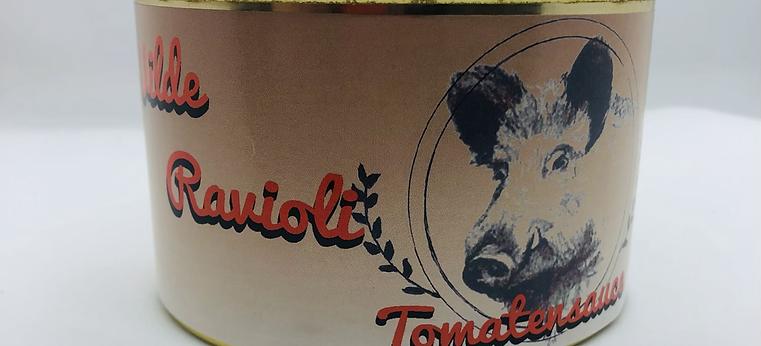 Wilde Ravioli in würziger Tomatensauce