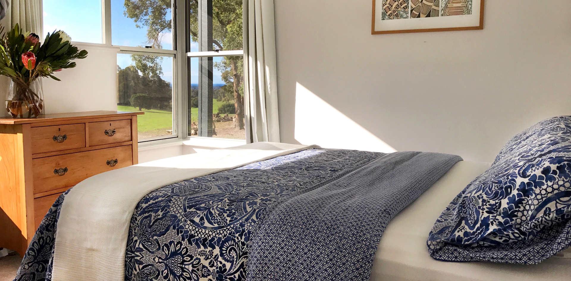 Queen Bedroom - Bed 2