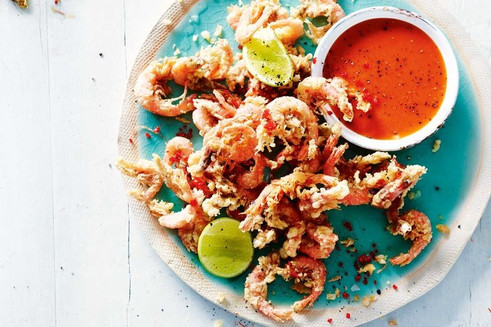 Fried prawns with pineapple salsa