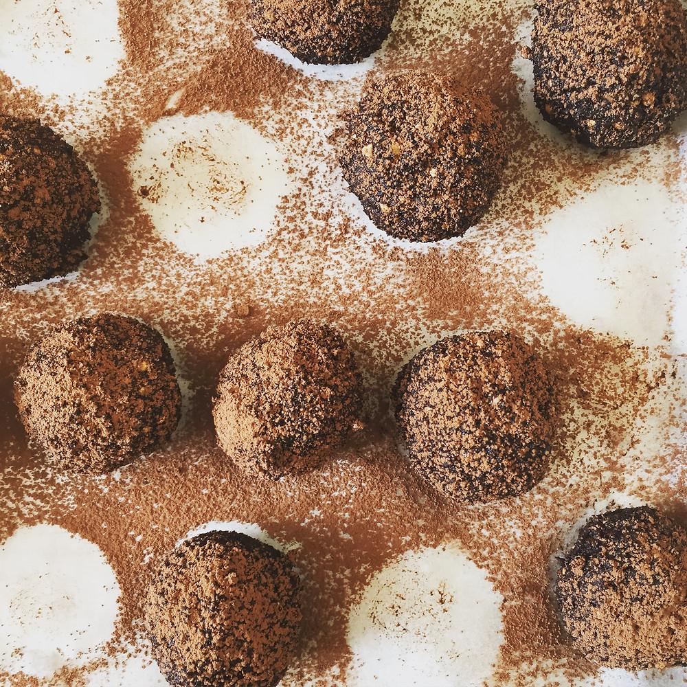 Choc-hazelnut protein balls