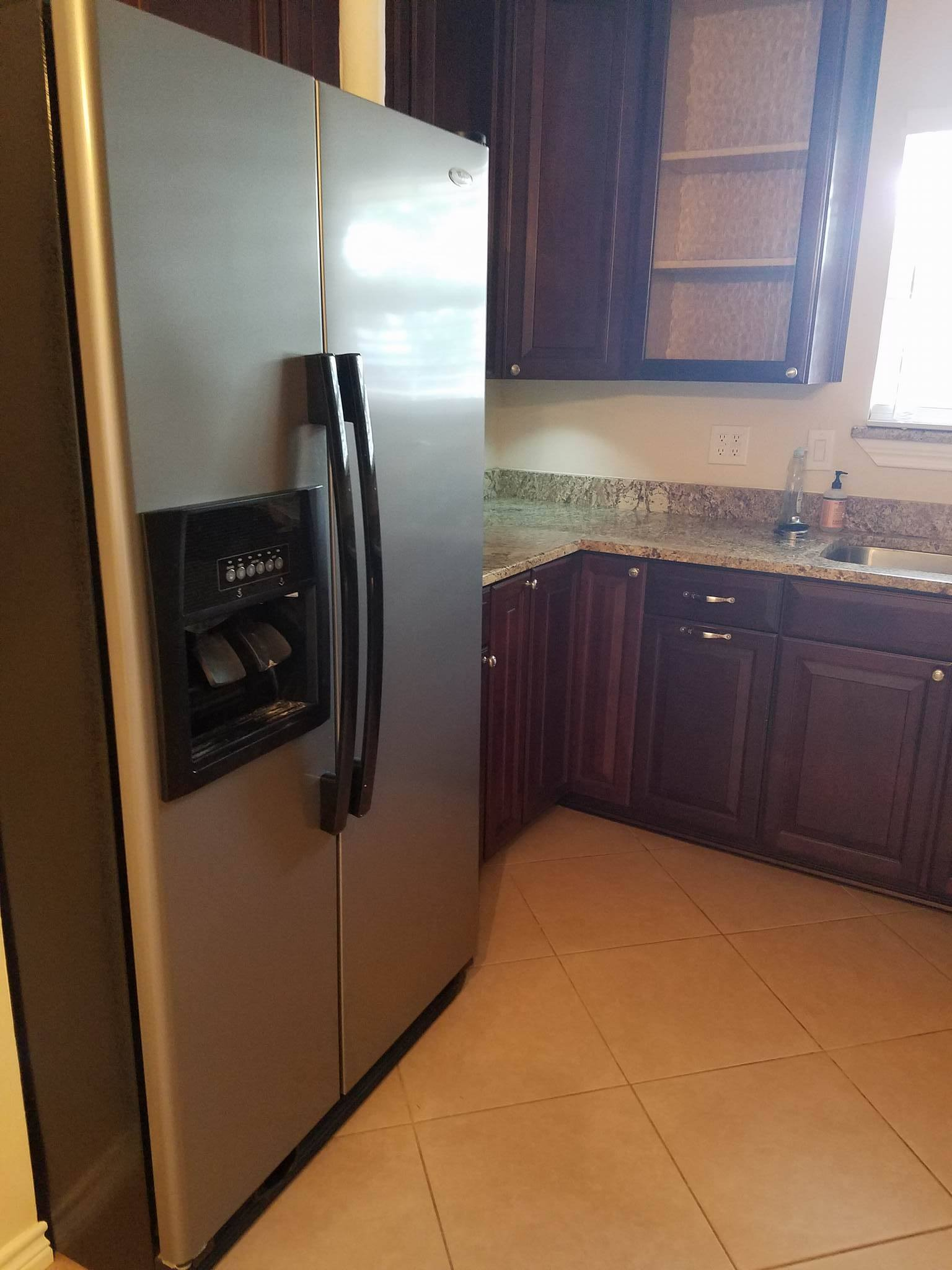 Refrigerator and Counter Top