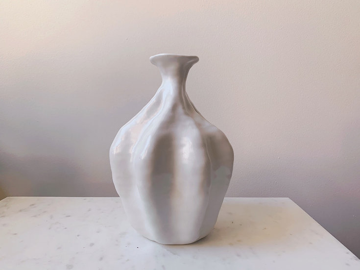 Odette Vase fig. 10