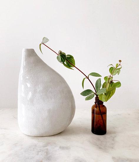 Odette Vase fig. 11
