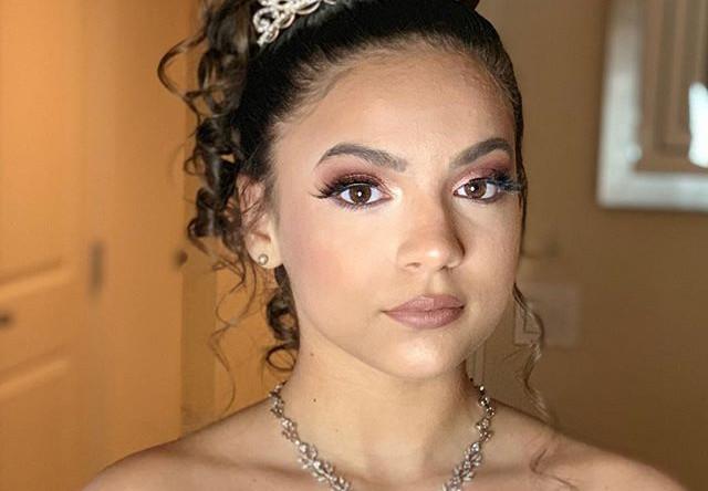 Quinceñera hair and makeup _Call and boo