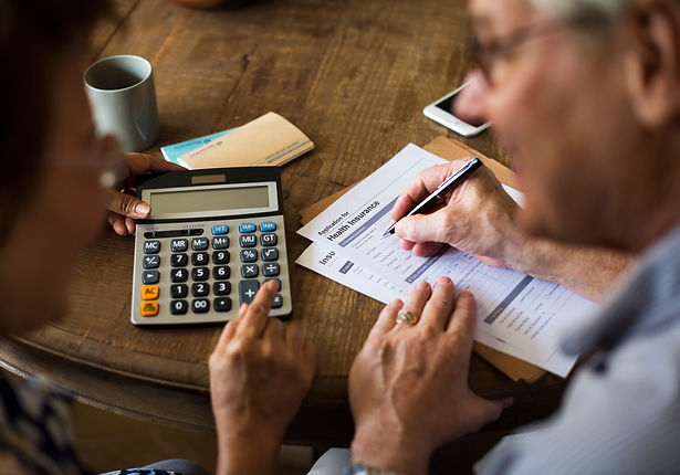 senior-couple-insurance-appication-form-PKU2BB2.jpg