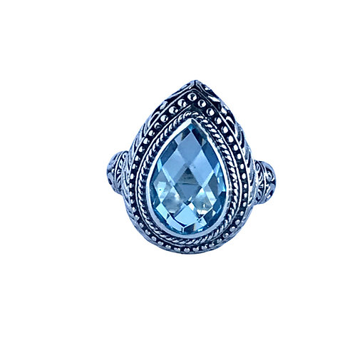 The Majestuous in Light Blue - Handmade Silver Ring with Blue Topaz