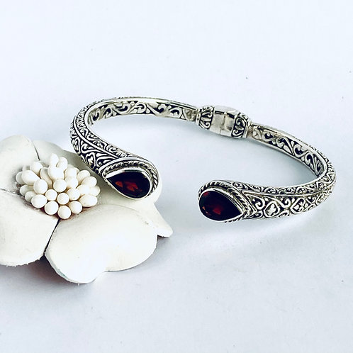 The delicate - Sterling Silver Cuff bracelet with Deep Red Garnet