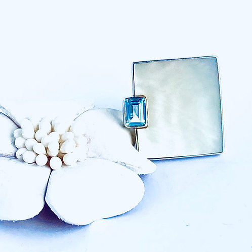 The Ocean Secret - Handmade Sterling Silver Ring with Mother of Pearl and gemsto