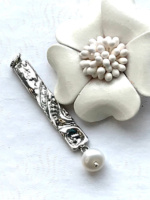 The Sand Ripple - Handmade Sterling Silver Pendant with Gleamy Freshwater Pearl