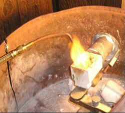 Placing the crucible it the centrifuge