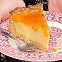 Cheesecake végane avec coulis mangue