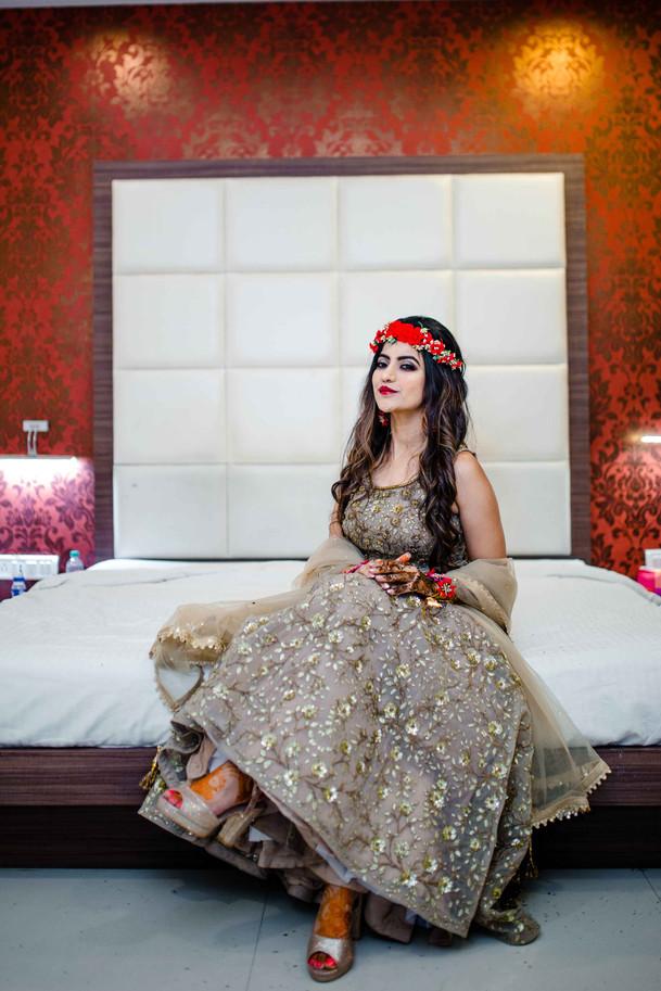 bride wedding photographt pose