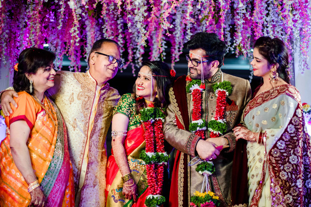 family candid photography sindhi wedding