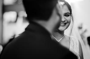 church catholic wedding beide candid photo