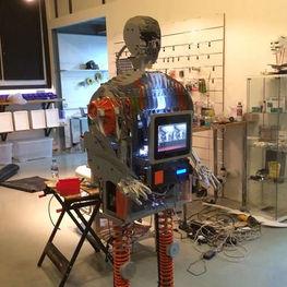Rannan-Security-Robot-2.jpg
