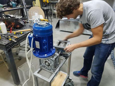 Precious plastic machine build