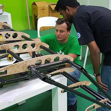 Flugauto-Prototype-Electronics-Wiring-.j