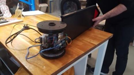 Smart Sign first prototype screen mechan