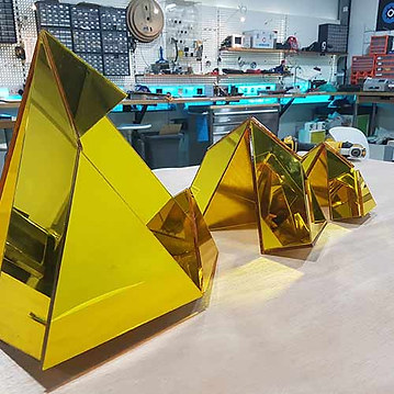Folding-Architectural-Mirror-Art-Model.j