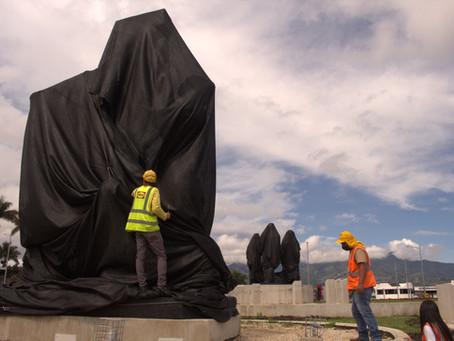 Develan esculturas restauradas en el Monumento de las Garantías Sociales