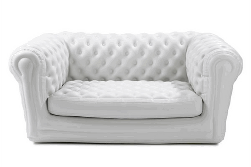 Canapé gonflable blanc type Chesterfield