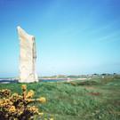 Millennium Stone, L'Ancresse Common, Gue