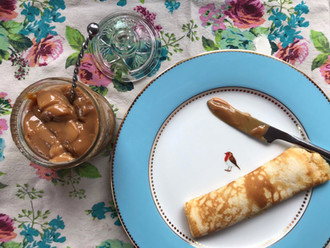 Easy homemade pancakes with dulce de leche