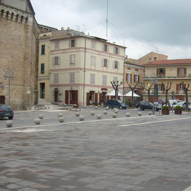 Sistemazione Piazza Buozzi e Corso Garibaldi Giulianova (TE)
