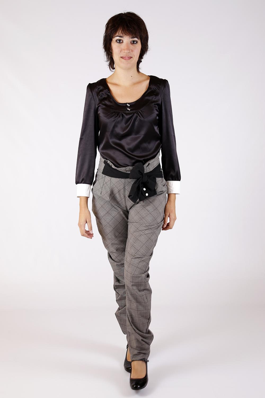 Blouse noir et Pantalon gris