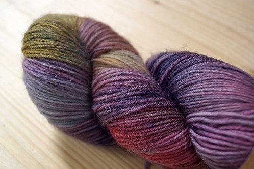 Une Maille à la Fois - Carikai violet jaune rouge