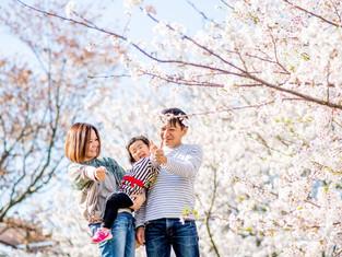子どもと家族の写真(長崎県多良見町)