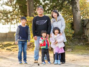 子どもと家族の写真(広島県福山市)