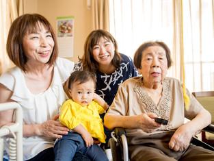 子どもと家族の写真(大阪市浪速区)