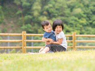 子どもと家族の写真(宮崎県椎葉村)