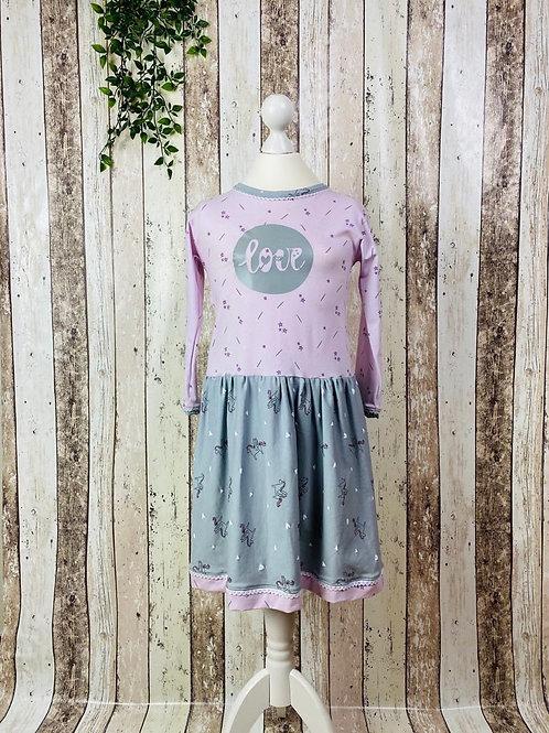"Kleid ""Love"" Gr. 134/140"