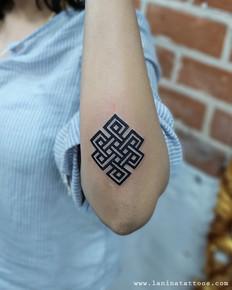 Infinity Loop Tattoo | La Nina Tattoos | Best tattoo studio in ahmedabad| Best tattoo artist | Gujarat | India