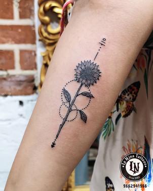 Sunflower tattoo | La Nina Tattoos | Best tattoo studio in ahmedabad| Best tattoo artist | Gujarat | India | tattoo | cute