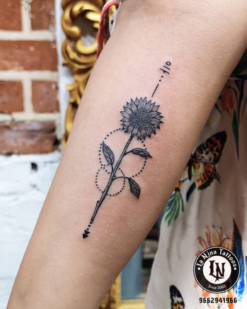 Sunflower tattoo | La Nina Tattoos | Best tattoo studio in ahmedabad| Best tattoo artist | Gujarat | India | tattoo | cute